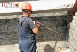 Подготовка стен для иньектирования цементными смесями