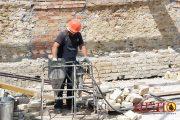Ремонтные составы для ремонта трещин в кирпичной кладке стены