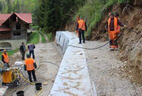 Инъектирования склона специальнім цементным составом